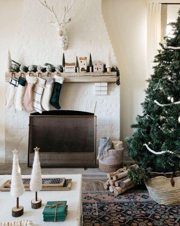 SMP Round Up: 12 Christmas Mantels We Love